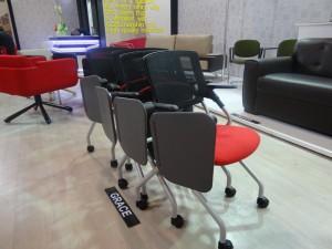кресла с пюпитрами